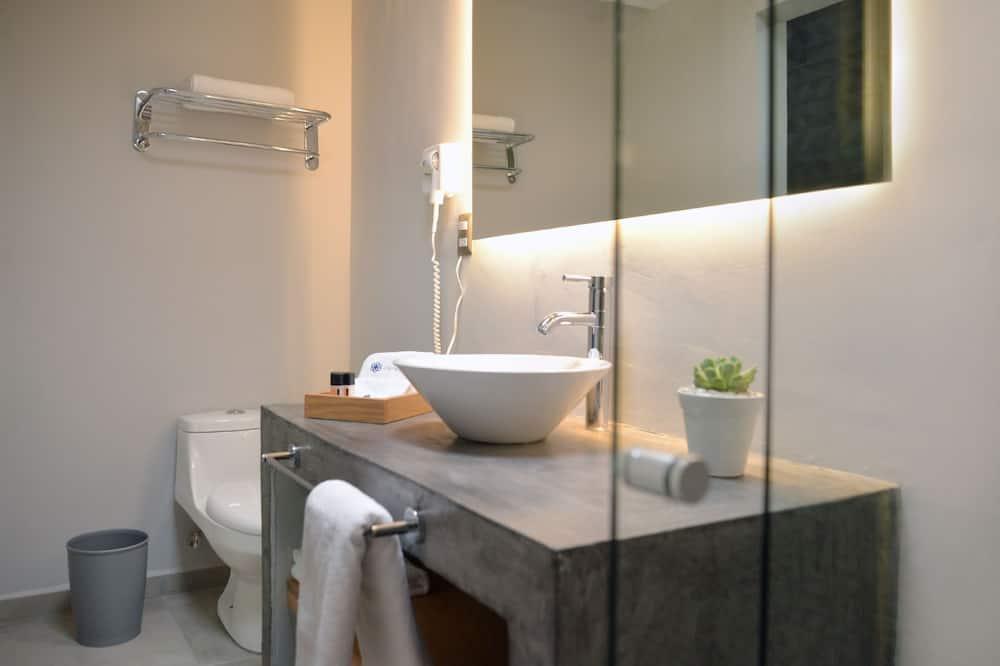Junior suite, 1 kingsize bed - Badkamer