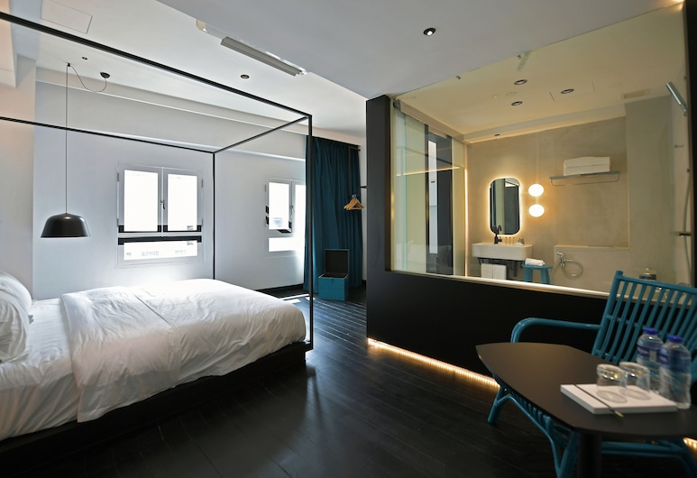 XY Hotel Bugis by Asanda Hotels and Resorts, Singapore, Honeymoon Suite, City View, Guest Room