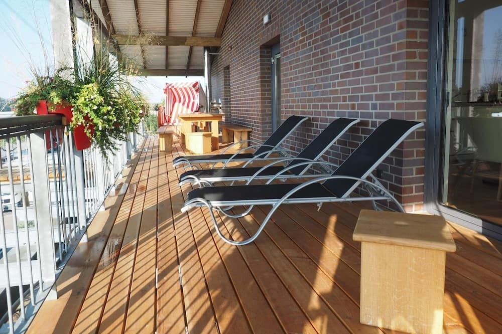 Apartment, 6 bedrooms, 5 bathrooms, sauna, terrace, garden - Sân thượng/sân hiên
