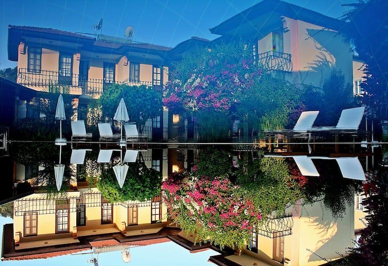 Gorkem Apart Hotel, Fethiye, Otelin ön cephesi