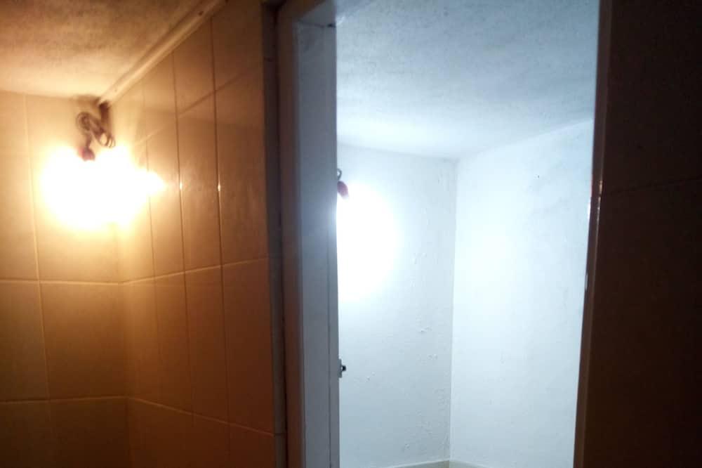 Economy Apartment, 1 Double Bed, Sea View, Corner - Bathroom