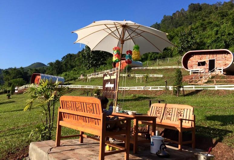 Songmueng Camping, Bo Kluea, A szálláshely külső területe
