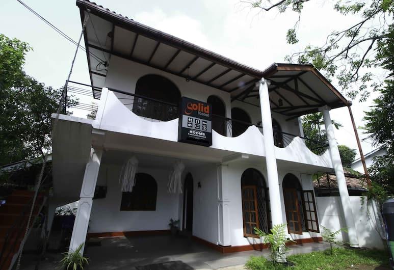 Yoho Solid Hotel Polhengoda, Colombo