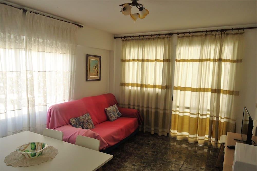 Апартаменты, 3 спальни - Гостиная