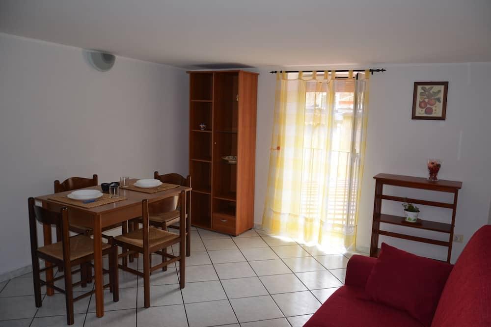 Apartment, Terrace - Tempat Makan dalam Bilik