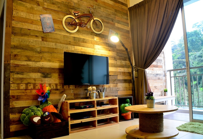 The Woodz Homestay, Tanah Rata, Exclusive Apartment, 3 Bedrooms, Living Area