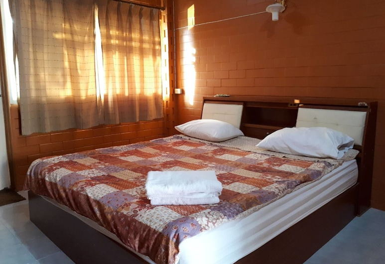 Chainam Resort, Chaloem Phra Kiat, Standard Double Room, Guest Room