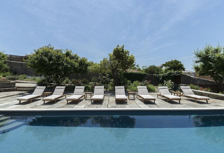 Arxontiko Mytilineou Skretaion, South Pelion, Outdoor Pool