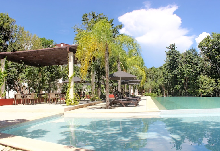 Gorgeous Terrace & 2 BR Condo with Pool Access by Olahola, Akumal, Teres/Laman Dalam