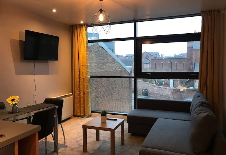 Stylish Chester Apartment, Chester, City Double Room, Living Area