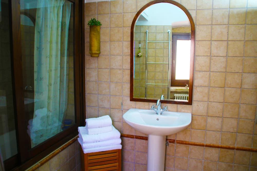 Liukso klasės namas, 2 miegamieji - Vonios kambarys