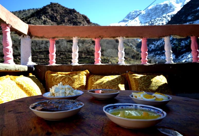 Gite Taddarine, Ouirgane, Restaurang utomhus