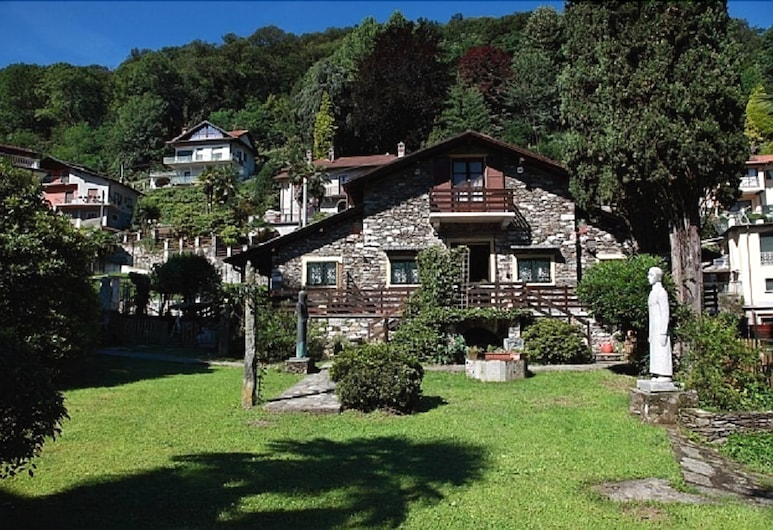 B&B Villa Lucciola, Stresa, Fachada do Hotel