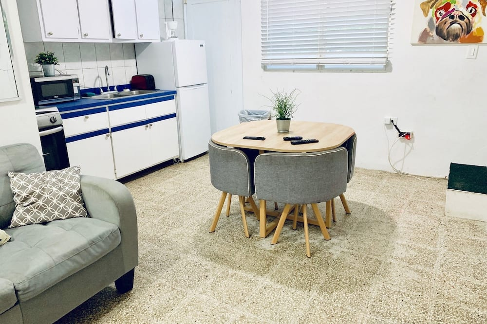 CEH 102 Standard Family Villa / Kitchen / 2 Full & 1 Twin Size Beds, 2nd Floor - Stofa