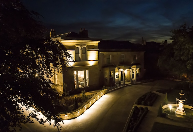 Manor House Lindley, Huddersfield, Hotel Front – Evening/Night