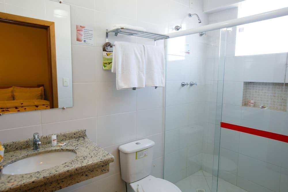 Premium Double Room, 5 Bedrooms - Bathroom