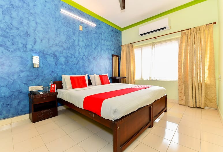 OYO 9560 Hotel Bellwether, Kochi, Deluxe Double or Twin Room, 1 Queen Bed, Guest Room