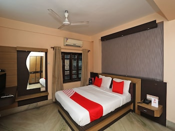 15 Closest Hotels to ISKCON Sri Mayapur Chandrodaya Temple