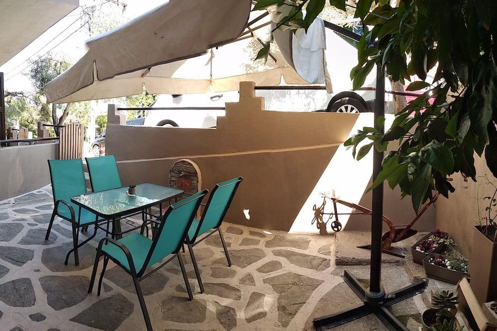 Comfort Διαμέρισμα, Κουζίνα, Θέα στην Αυλή - Αίθριο/βεράντα