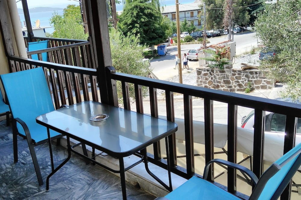 Standard Studio, 1 Bedroom, Kitchen, Mountain View - Balcony