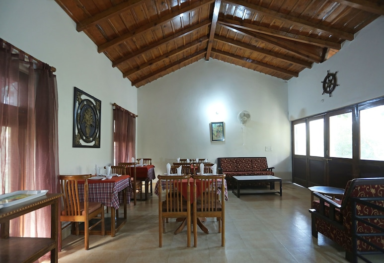 OYO 10923 Home Cozy Cottage Nakuchiyatal, Nainital, Sittområde i lobbyn