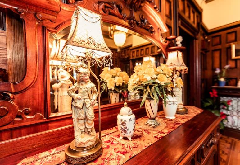 Amethyst Inn at Regents Park, Victoria, Lobby