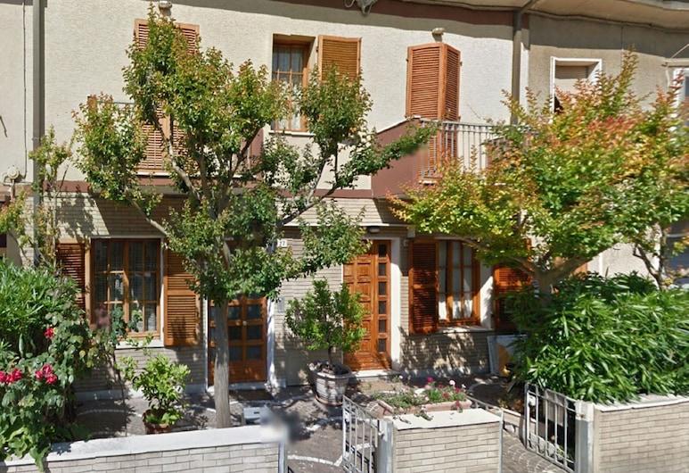 La Mansardina, Pesaro, Fachada del hotel
