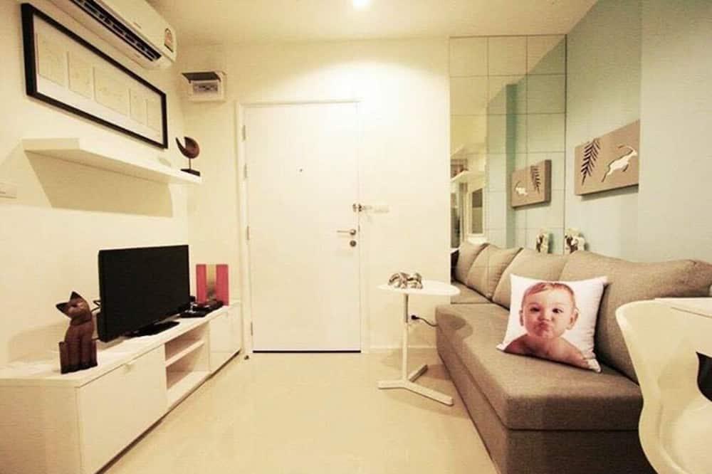 1 Bedroom Condo - Woonkamer