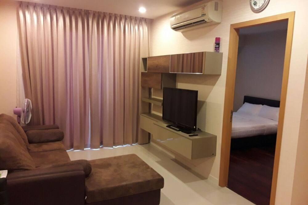 1 Bedroom Condo - סלון