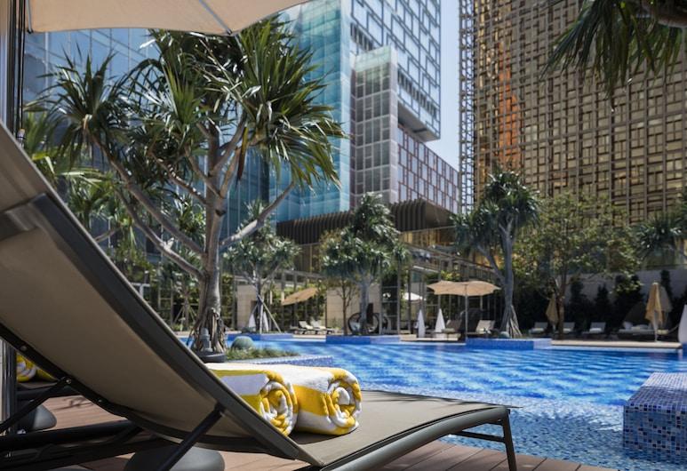MGM Cotai, Cotai, Pool