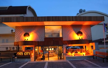 Slika: Sun City Apartments & Hotel ‒ Side