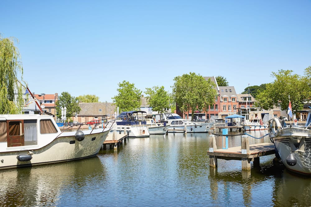 Номер-люкс категорії «Superior» - Краєвид на водойму