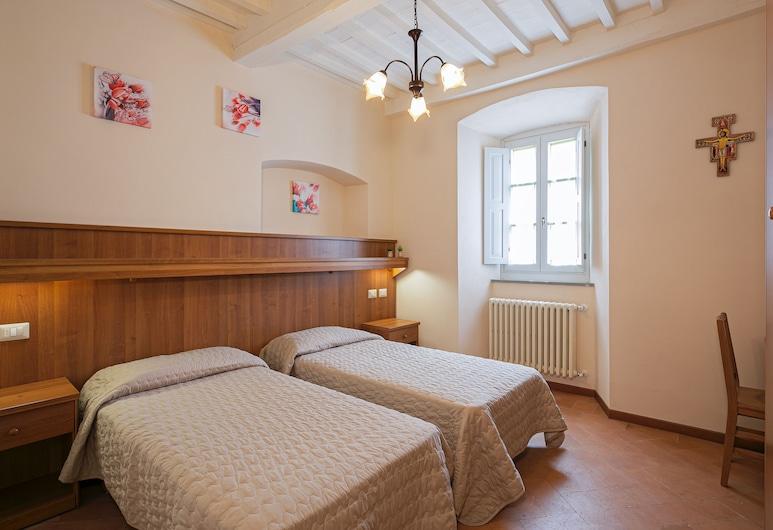 B&B San Francesco, Cortona, Szoba kétszemélyes ággyal egy fő részére, privát fürdőszoba, kilátással a városra, Vendégszoba