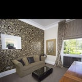 Deluxe Suite (Dales View Suite) - Ruang Tamu