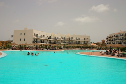 杜那斯海灘渡假村公寓