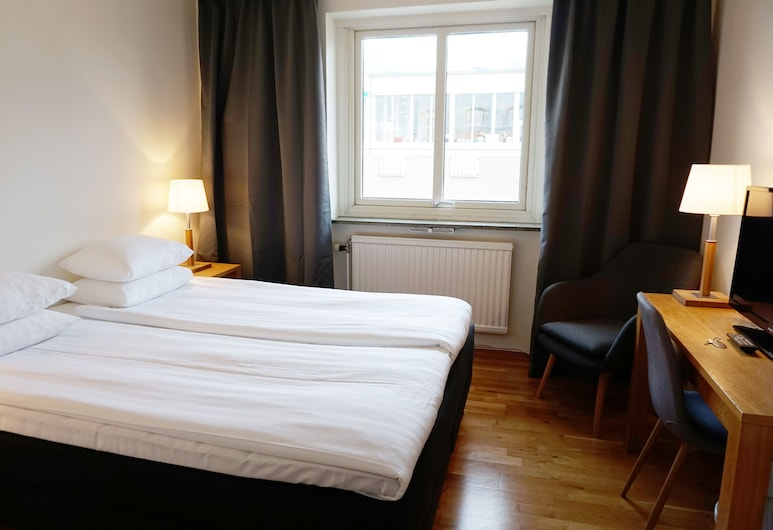 Karlskrona Hostel, Karlskrona, Double Room, Private Bathroom, Guest Room