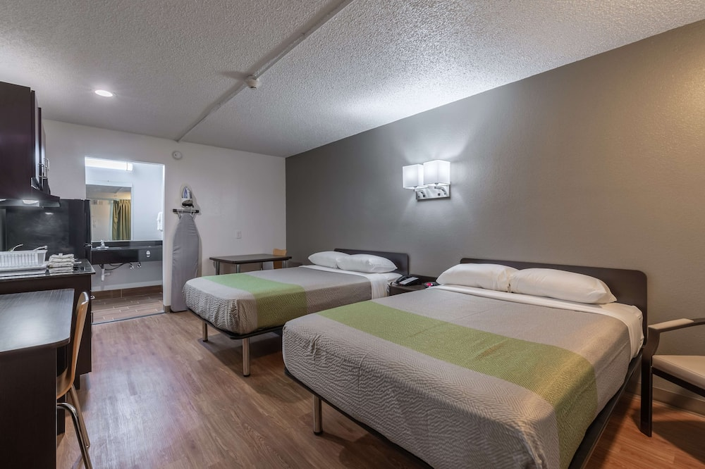 Standard Room, 2 Double Beds, Accessible, Non Smoking - Guest Room