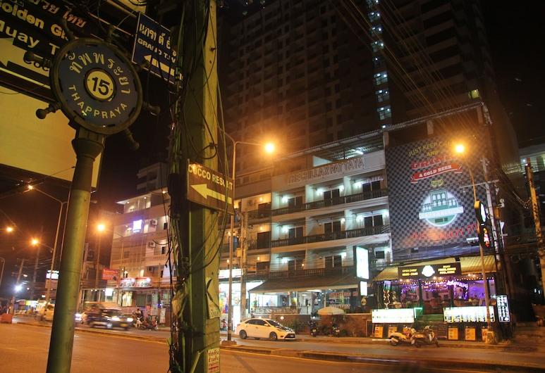 SAB Residence, Pattaya, Hiên