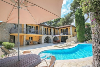 Enter your dates to get the Roquebrune-Cap-Martin hotel deal