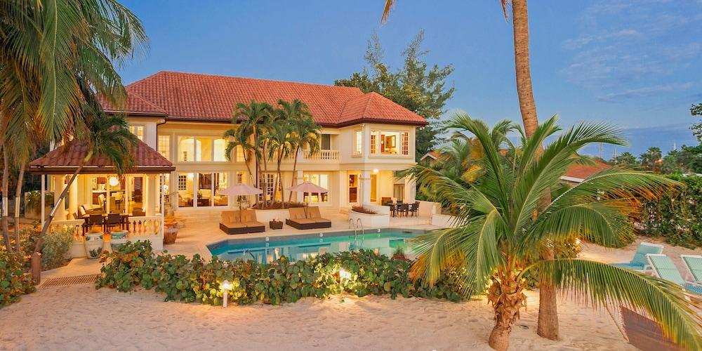 Coconut Walk By Grand Cayman Villas Condos Seven Mile Beach