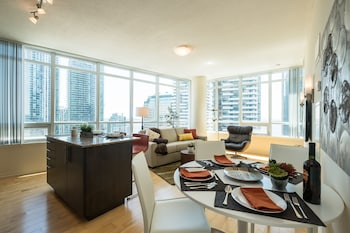 Picture of QuickStay - Premium 2bdrm Downtown Condo in Toronto