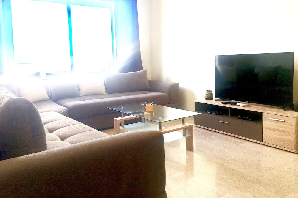 Căn hộ Deluxe, 3 phòng ngủ, Quang cảnh thành phố - Phòng khách