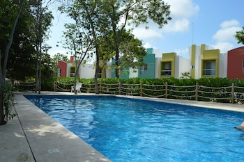 Enter your dates for our Puerto Morelos last minute prices