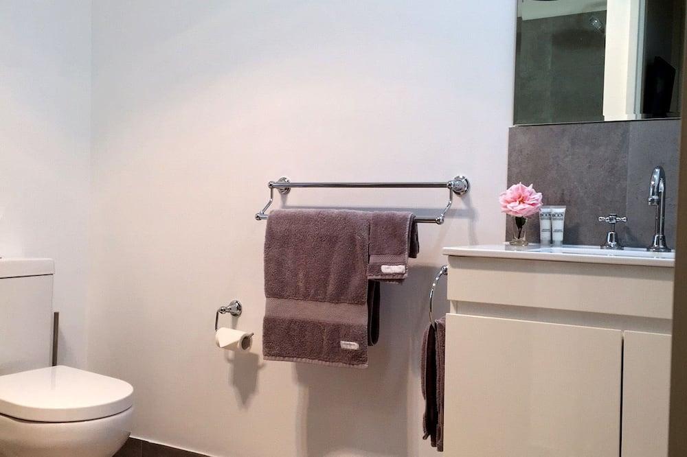 パノラミック コテージ 2 ベッドルーム ガーデンビュー - バスルーム