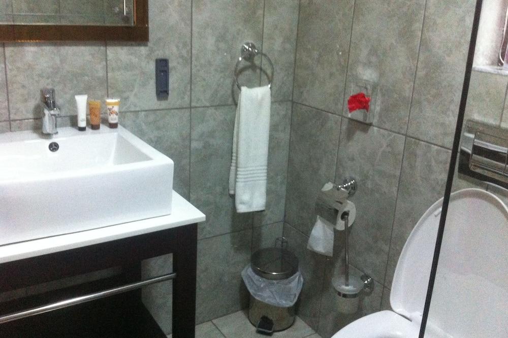 ห้องเอ็กเซกคิวทีฟดับเบิล - ห้องน้ำ