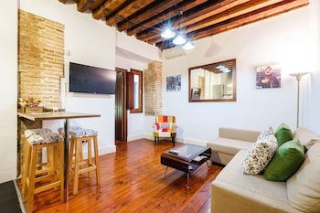 Picture of Apartamentos con patio junto a la catedral by Toledo AP in Toledo