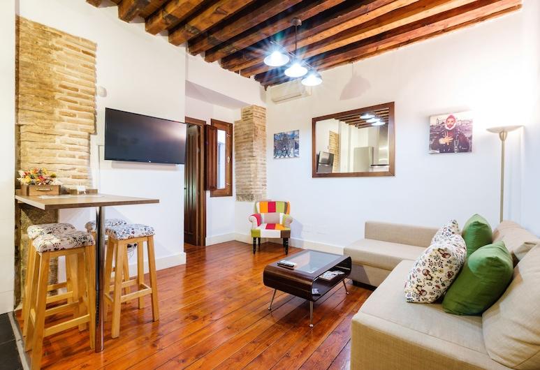 Apartamentos con patio junto a la catedral by Toledo AP, Tolède