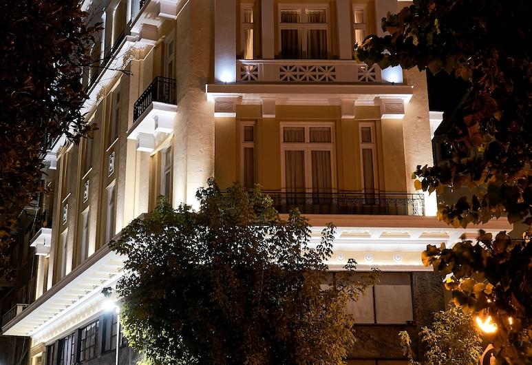Athens Mansion Luxury Suites, Ateena, Fassaad õhtul/öösel