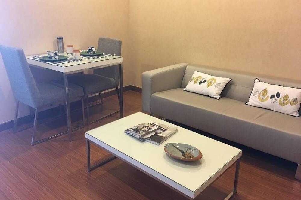 2 Bedroom Apartment - Phòng khách