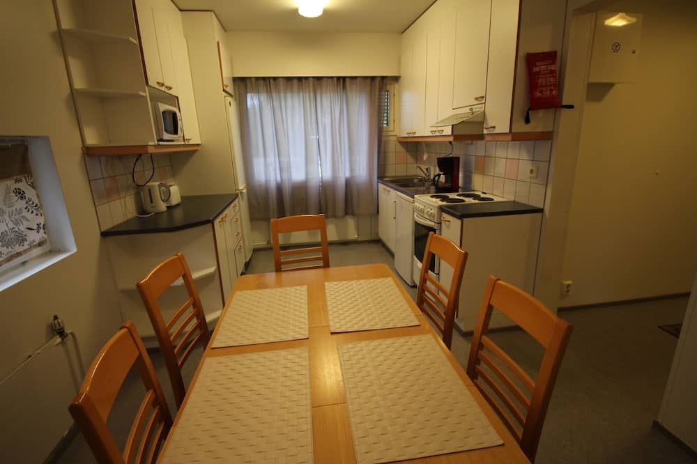 Family Apartment, 3 Bedrooms - In-Room Dining